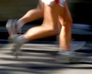 Grafika z biegaczami - zdjęcie z blog podróżniczy 4challenge