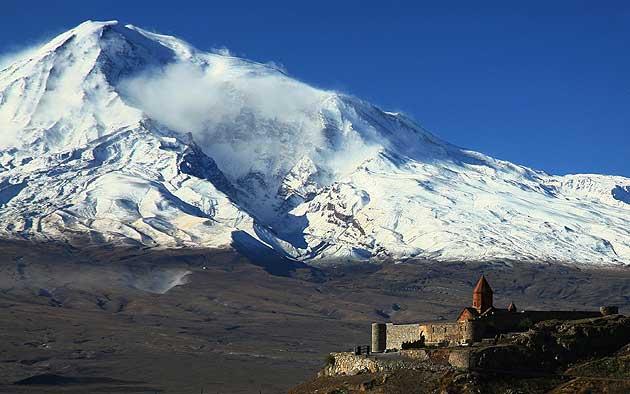 Góra Ararat 5137 m n.p.m. - zdjęcie z blog podróżniczy 4challenge