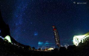 Obóz na Kilimandżaro nocą