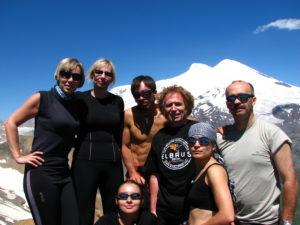 Wyprawa na Elbrus 2010 - widok z Czegetu na wierzchołki Elbrusa