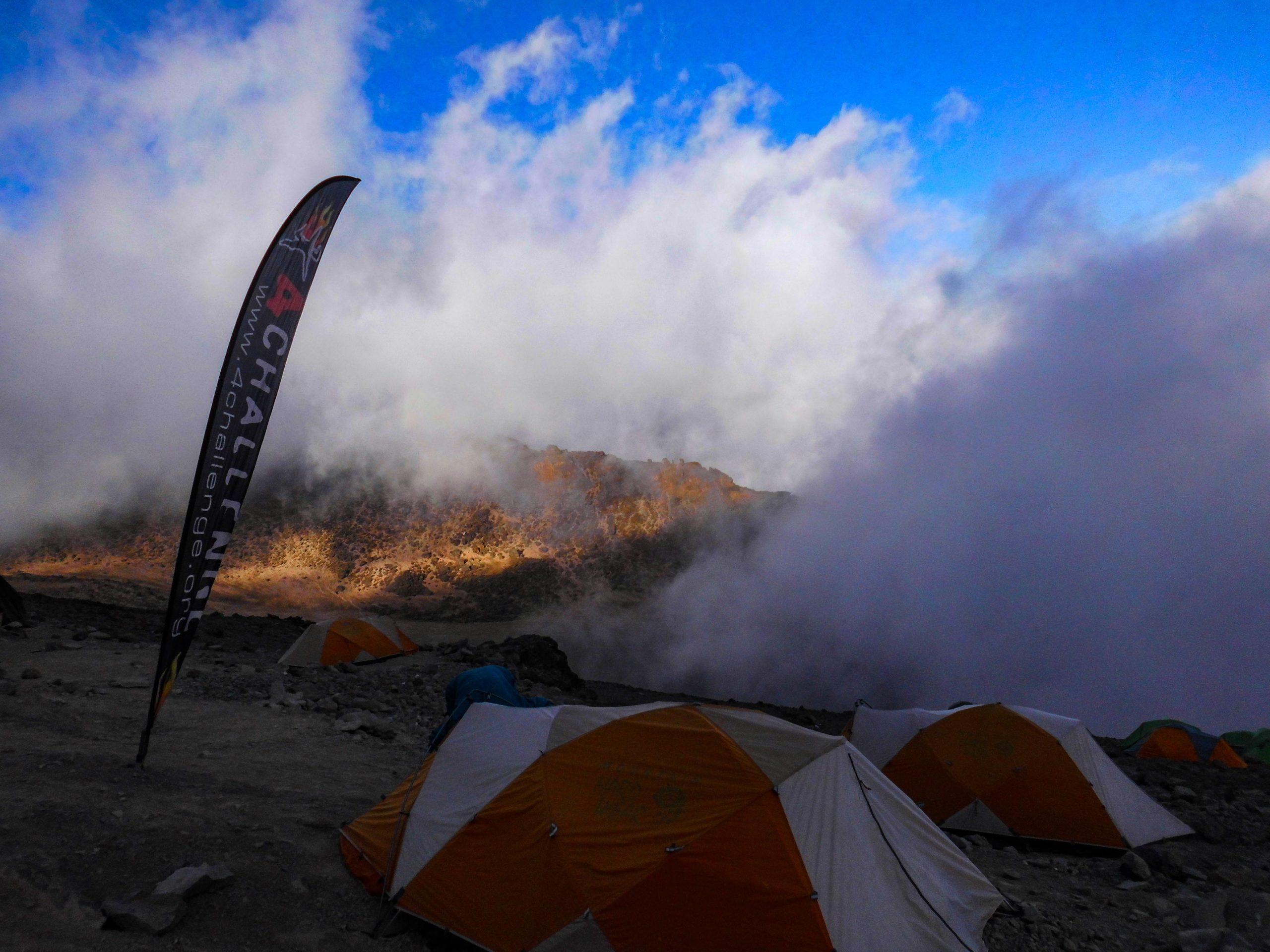 Obóz dosłownie w chmurach, Barranco camp, machame route, Kilimandżaro