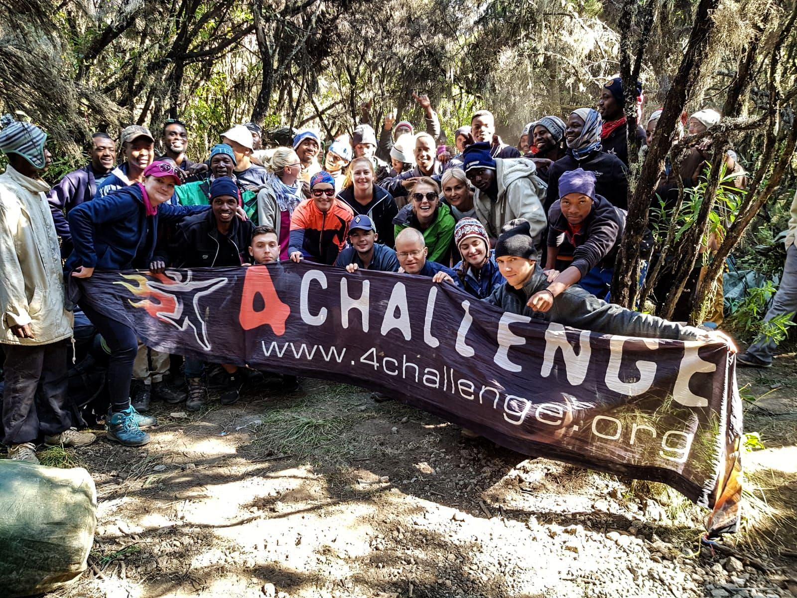 Pełna integracja po zejściu z gór, 4challenge, Kilimandzaro, machame route-min