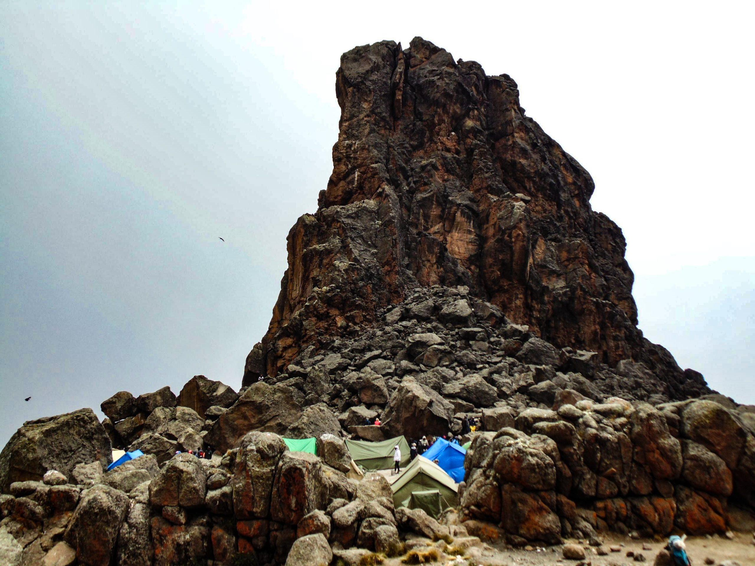 Przełęcz Lava Tower, machame route, kilimandzaro-min