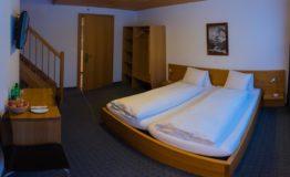 Alpy Berneńskie hotele-schroniska _03